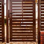 Ogrodzenie palisadowe brązowe