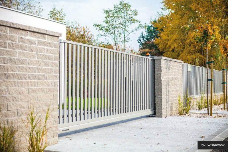 Ogrodzenie zpustaków łupanych – Expert-ogrodzenia