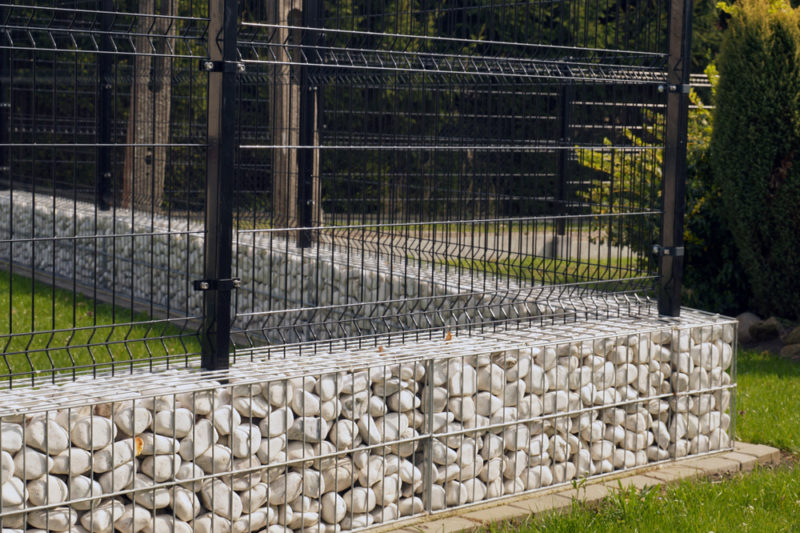 Ogrodzenie panelowe połączone z gabionem - Expert-ogrodzenia