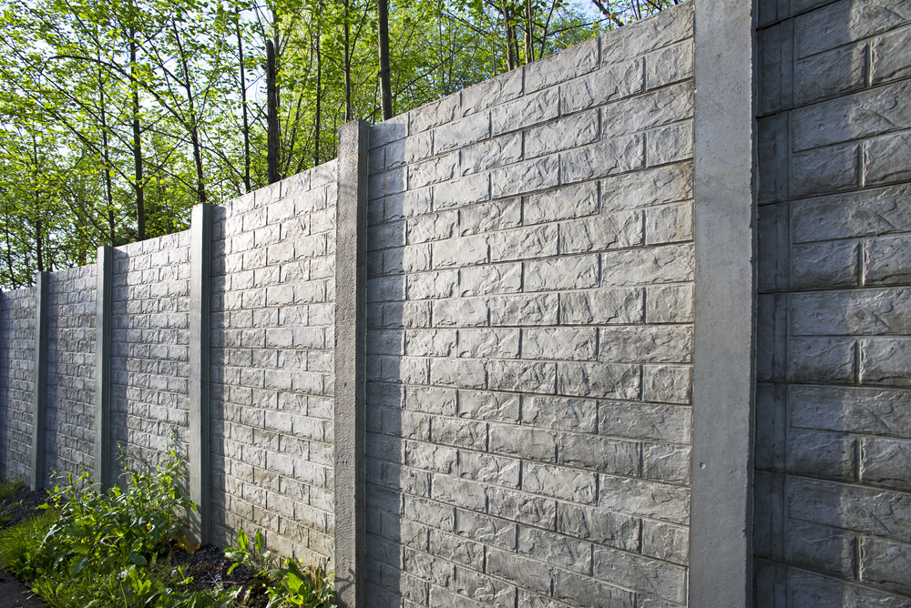 Ogrodzenie zpustaków łupanych – jak wykonać - expert - ogrodzenia
